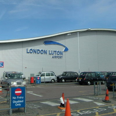 London luton airport directions